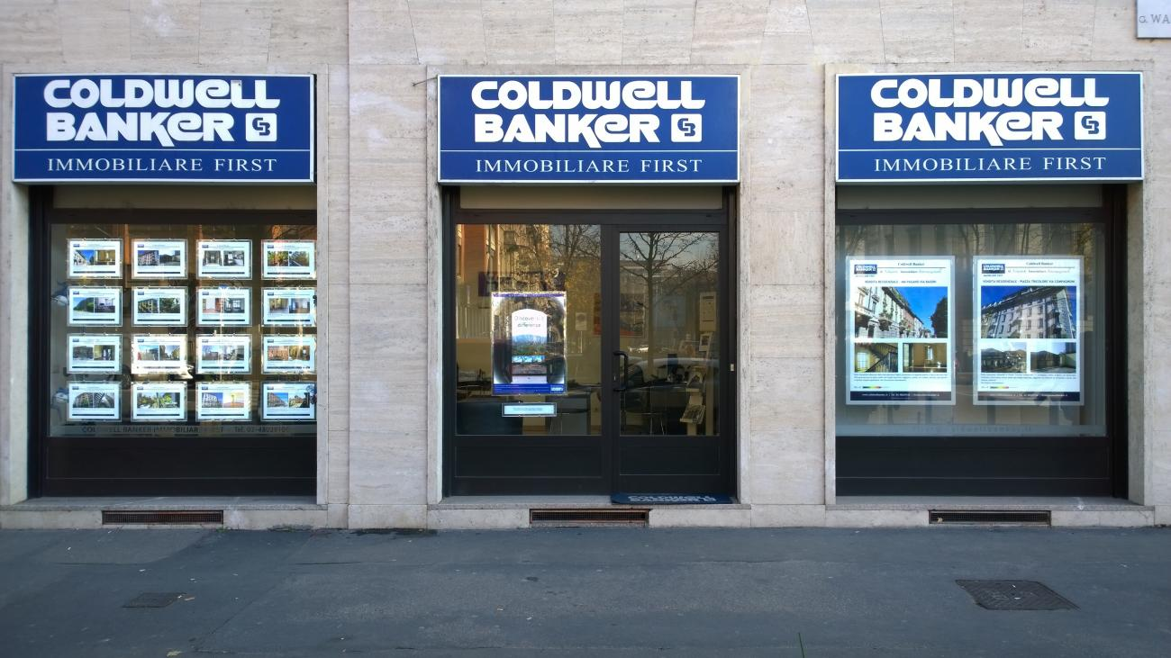 Porta annunci led coldwell banker