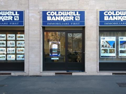 Porta annunci led coldwell banker